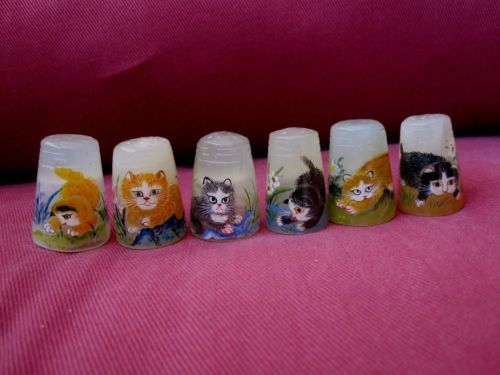 VERY-RARE-LTD-EDT-COMPLETE-SET-OF-SIX-JADE-HAND-PAINTED-THIMBLES-CAT-THEME