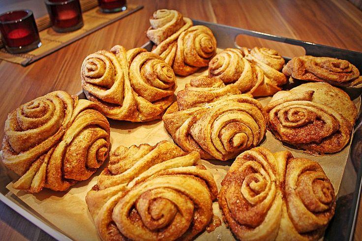 Franzbrötchen wie vom Bäcker, ein beliebtes Rezept aus der Kategorie Backen. Bewertungen: 25. Durchschnitt: Ø 4,4.