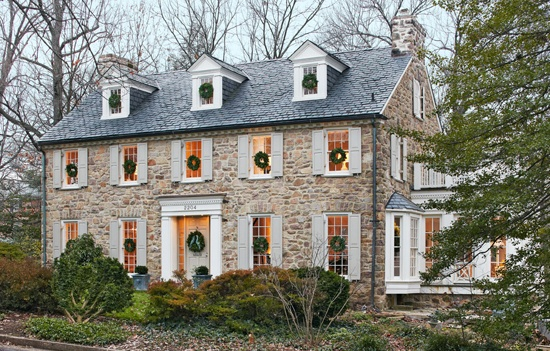 Traditional Home -- reminds me of The Holiday