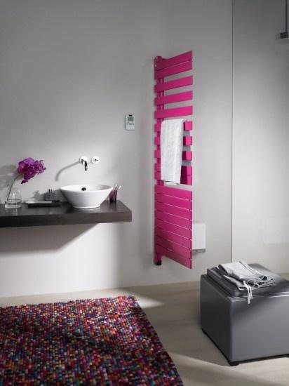 Met Designradiator Zehnder Roda Air Kun Je Handdoeken Makkelijk Langs De  Zijkant Ophangen. Door Zehnder