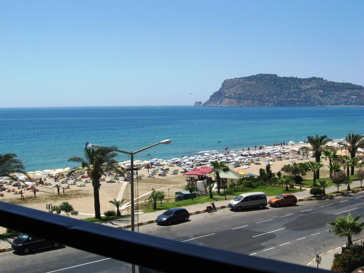 Beach in Alanya, Turkey :)