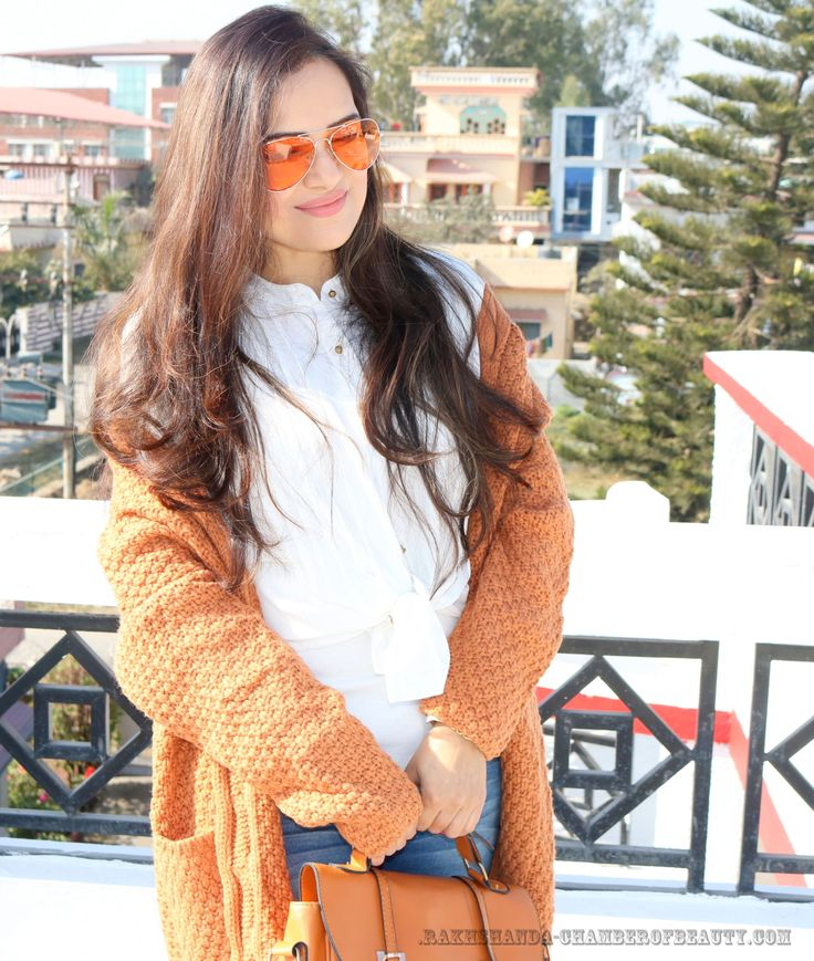 Styling an Oversized Cardigan-OOTD   Click HERE - http://bit.ly/2jIKVnL #Beautyblogger #fashionblogger #Indianfashionblog #ootd