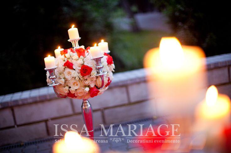 decoratiuni nunti valcea issamariage sfesnice cu aranjamente florale din trandafiri