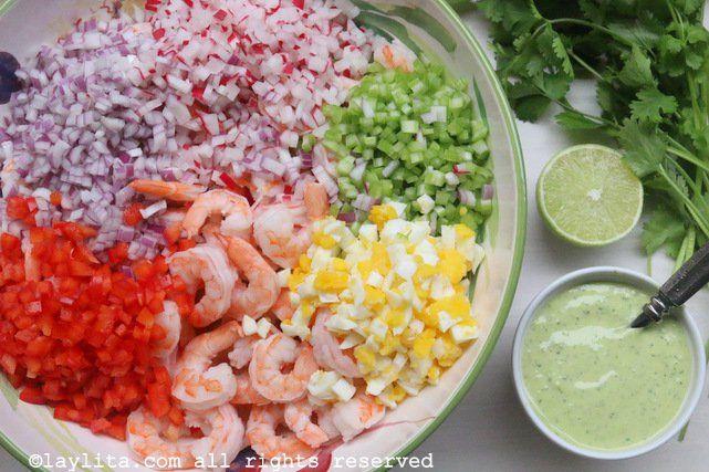 Ingredientes para la ensalada de camarón