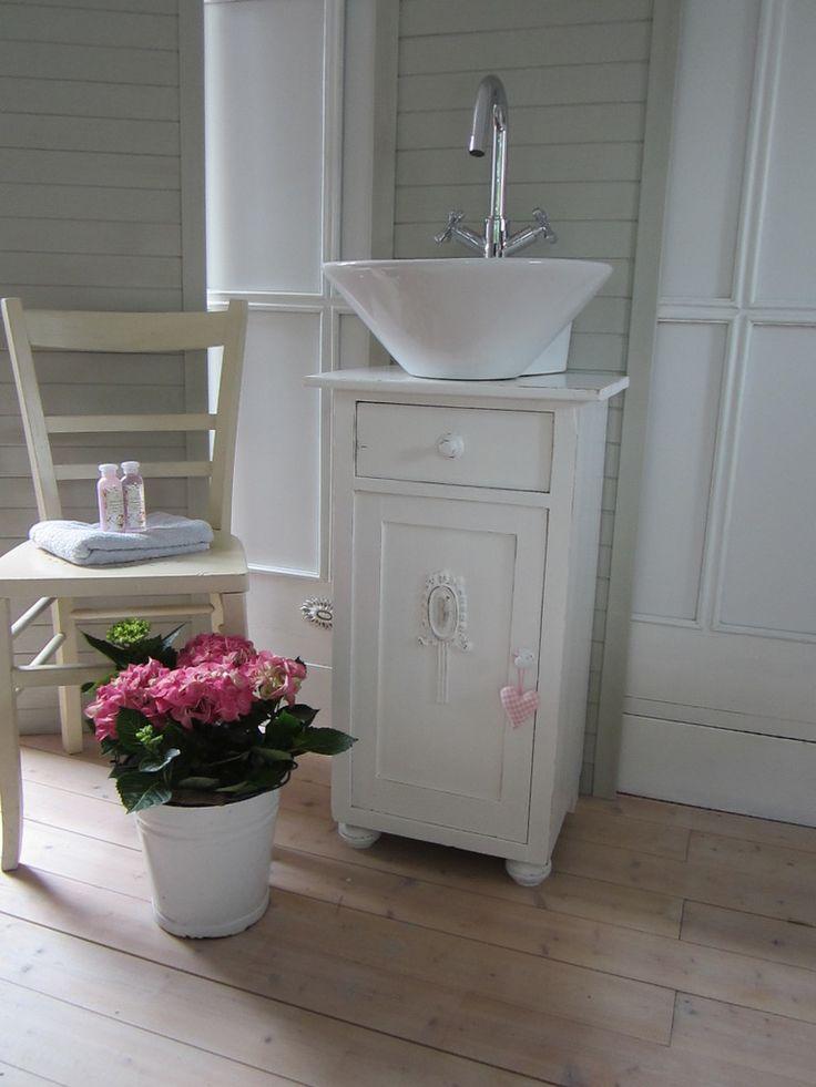 die besten 25 waschbecken g ste wc ideen auf pinterest. Black Bedroom Furniture Sets. Home Design Ideas