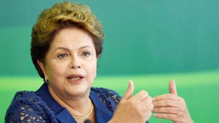 A presidente Dilma Rousseff participa de um café-da-manhã com jornalistas no Palácio do Planalto, em Brasília