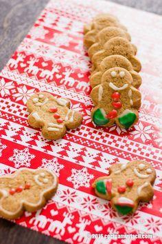 ¡Estas galletas de jengibre están riquísimas! No dejes de hornearlas esta Navidad y Año Nuevo http://cocinamuyfacil.com/galletas-de-jengibre-receta-para-navidad/