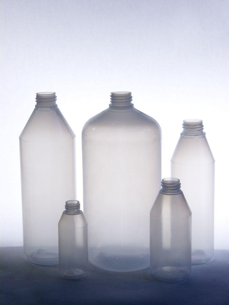 Suomessa valmistetut erikokoiset pullot! Pienin pullomme on 50 ml ja suurin 2 L!  Made in Finland