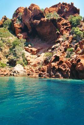 Roches sur la réserve de Scandola en Corse