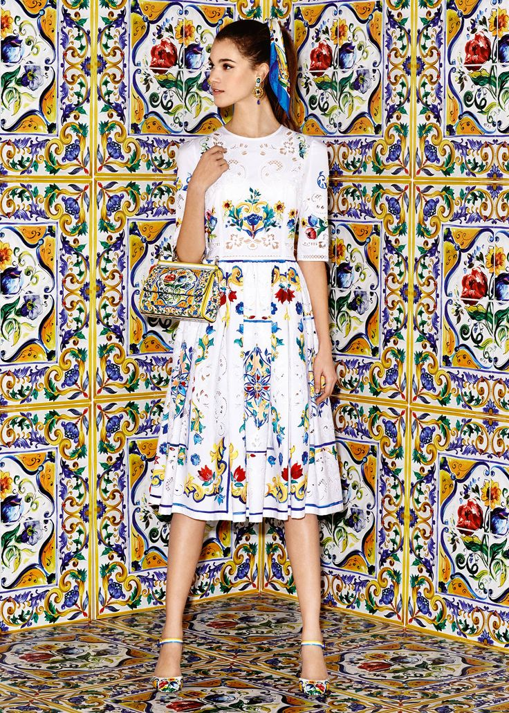 Discover the new Dolce & Gabbana Women's Maiolica Collection for Fall Winter 2016 2017 and get inspired.