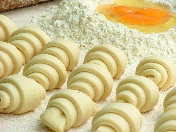 Рецепт 1: Тесто из творога для рулетиков   По этому рецепту можно выпекать такие яркие и красивые рулетики, все будут просто в востор...