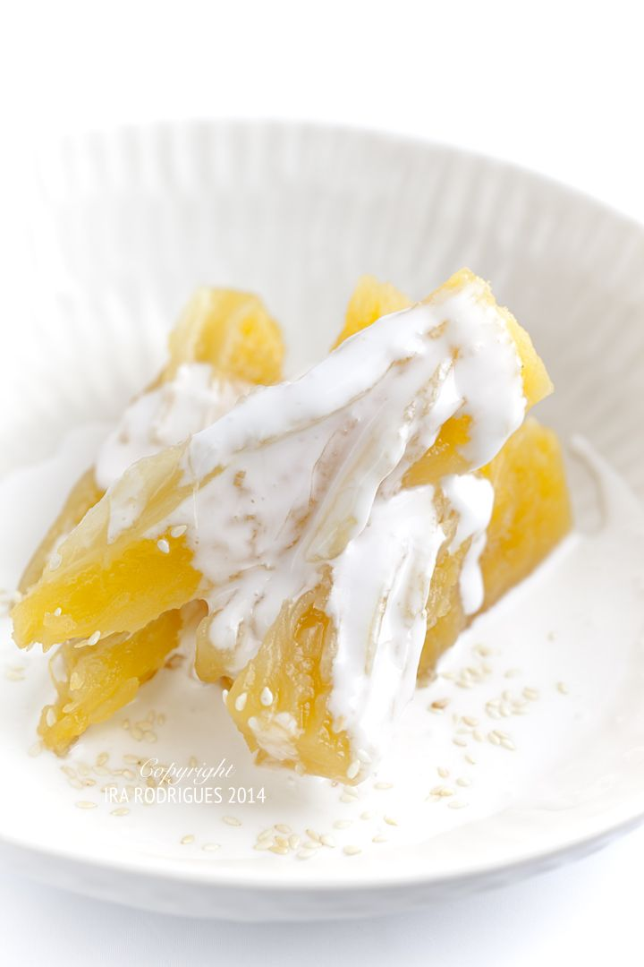 Candied cassava with coconut sauce