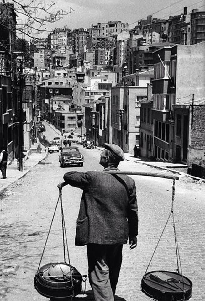 YOĞURTÇU (yoghurt street seller).  Cihangir neighbourhood, Istanbul, 1950s.