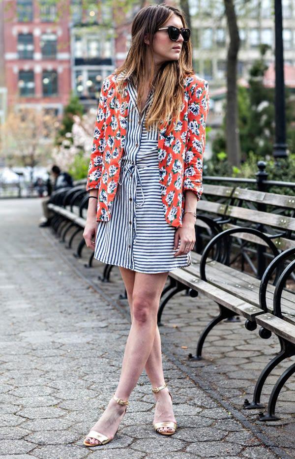 look vestido listras blazer floral street style