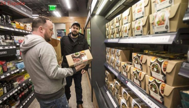 Primeras compras sin problemas en el 'súper' sin cajeros de Amazon