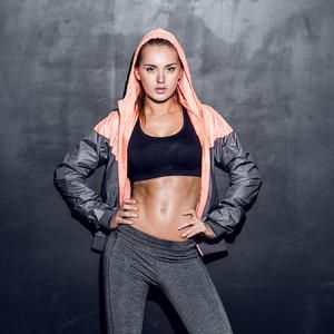 Try this intense full body workout that will burn fat fast and help you lose weight. Sculpt your entire body with this effective workout routine. Get ready for summer and tighten and tone your body with this circuit workout.