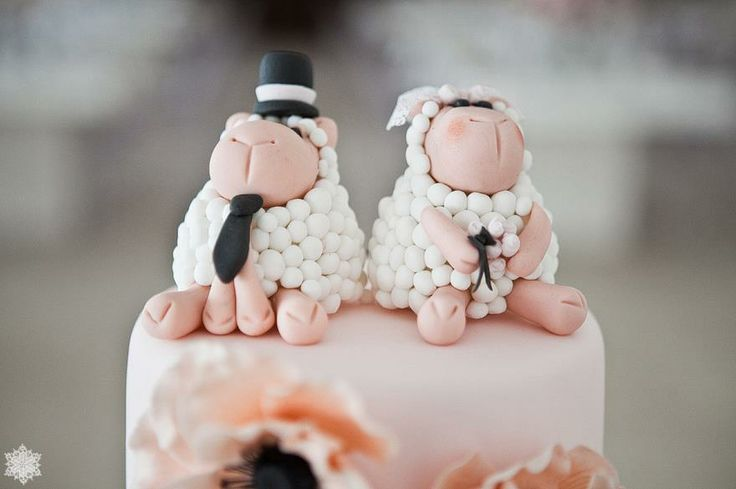 LOVING the [CAKE TOPPERS]