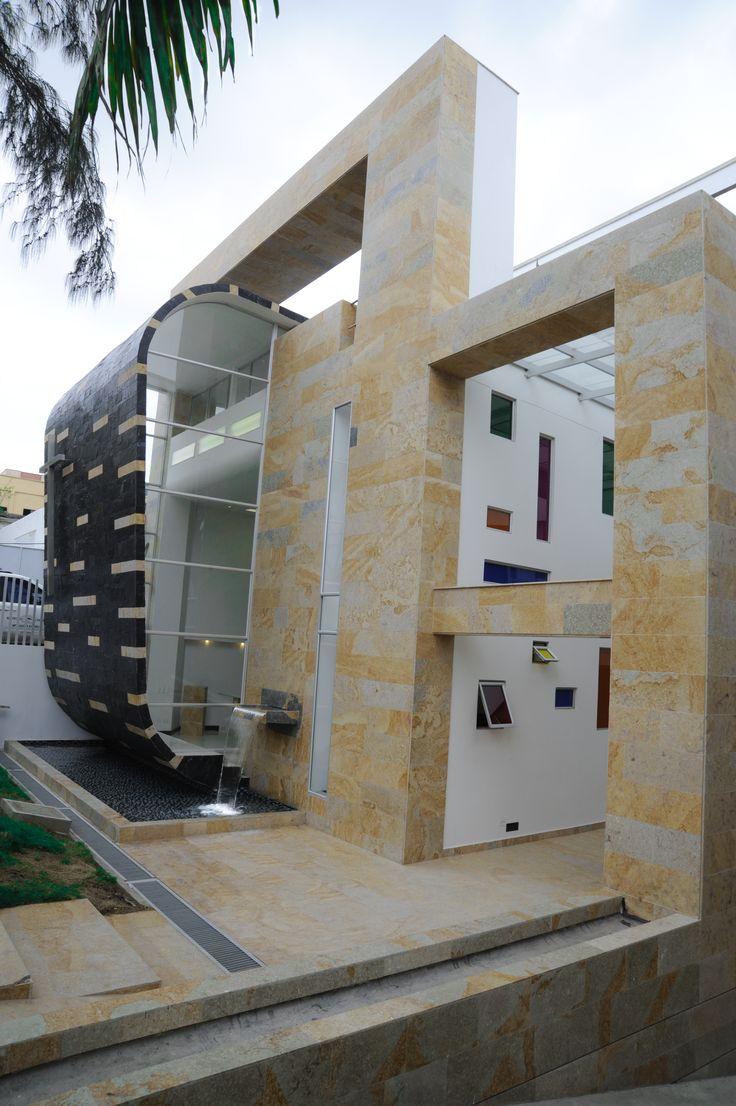 Clínica La Asunción   Diseño y construcción: 2008 Barranquilla Atlántico, Colombia Cliente: Hermanas Franciscanas