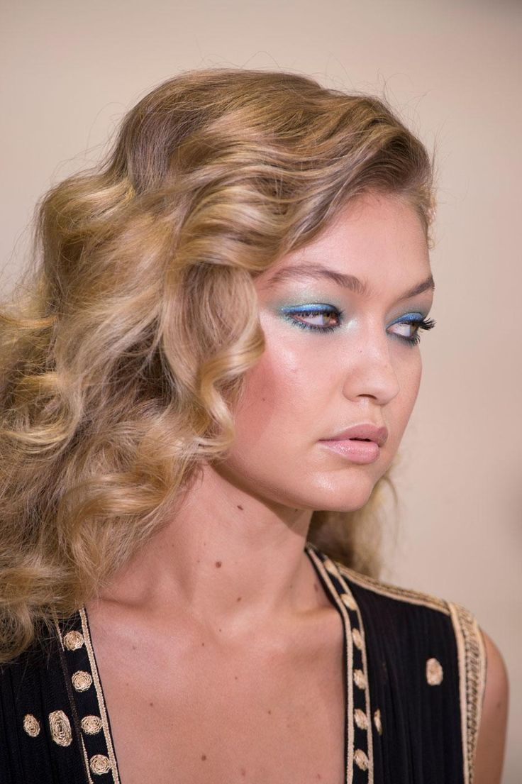 Fashion Weeks Coiffures And Chignons On Pinterest