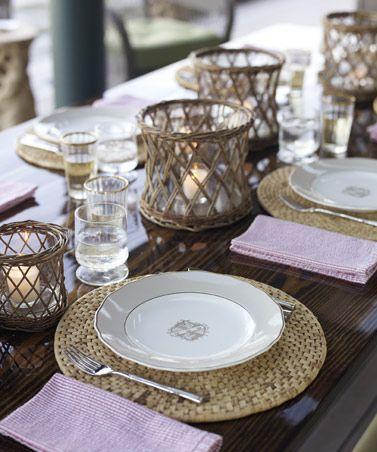 Natural textures and seersucker napkins. Great table!