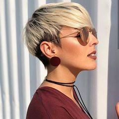 Bellissimo  colore e  taglio  biondo ........... capelli  style 👉   capellistyle.it  capellicorti  donna  pixiecut  shorthair  blondehair   haircut   ... f9ac2a9708fe