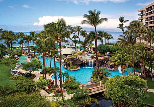 Marriott's Maui Ocean Club looks incredibly fun, plus breathtaking too!