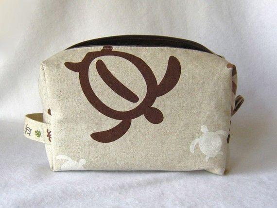 Box Pouch w Inner zipper pocket -- Japanese Linen -- Hawaiian seaturtle  HONU