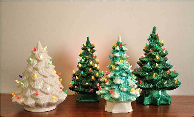 vintage ceramic Christmas trees....ah,yes. Ours had snow and a red star...