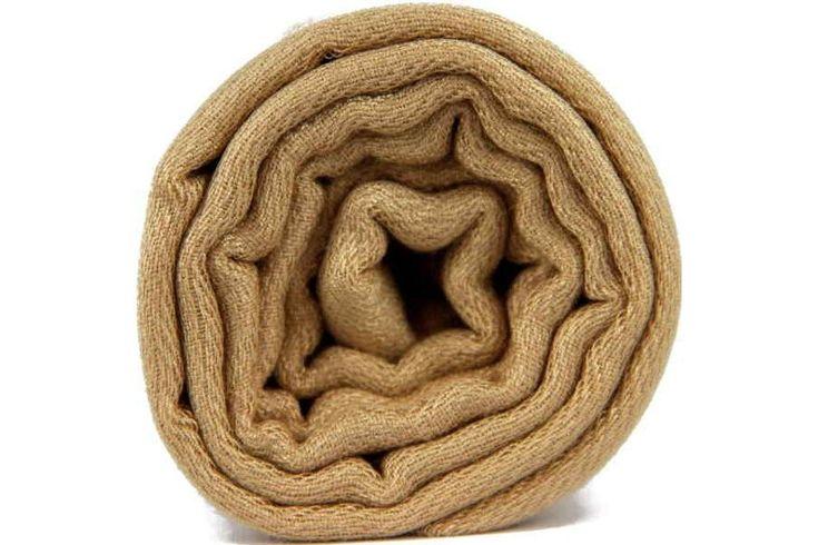 L'écharpe camel, le châle beige intense pour hommes et femmes.