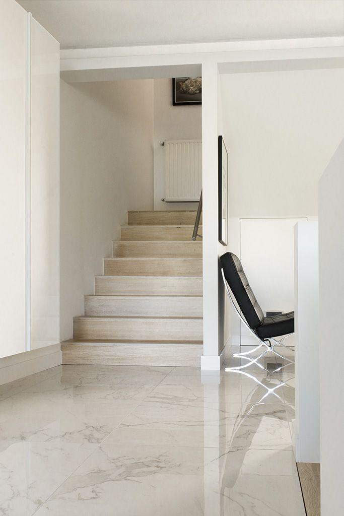 Interieur tegel keramische calacatta marmer hal for Interieur appartement