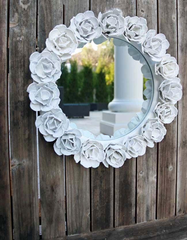 Make // Egg Carton Flower Frame