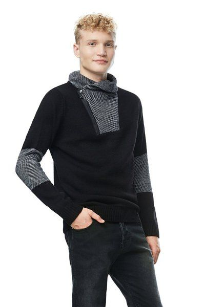 MAN FLAT KNITTED LONG SLEEVE PULLOVER
