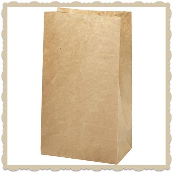 Χάρτινα σακουλάκια κραφτ Χάρτινα σακουλάκια κραφτ σε μεγάλο μέγεθος. Γεμίστε ταμε λιχουδιές ή δωράκια της επιλογής σας. Τέλεια δωράκιαγιατους μικρούς καλεσμένους σε παιδικό πάρτυ ή βάφτιση!
