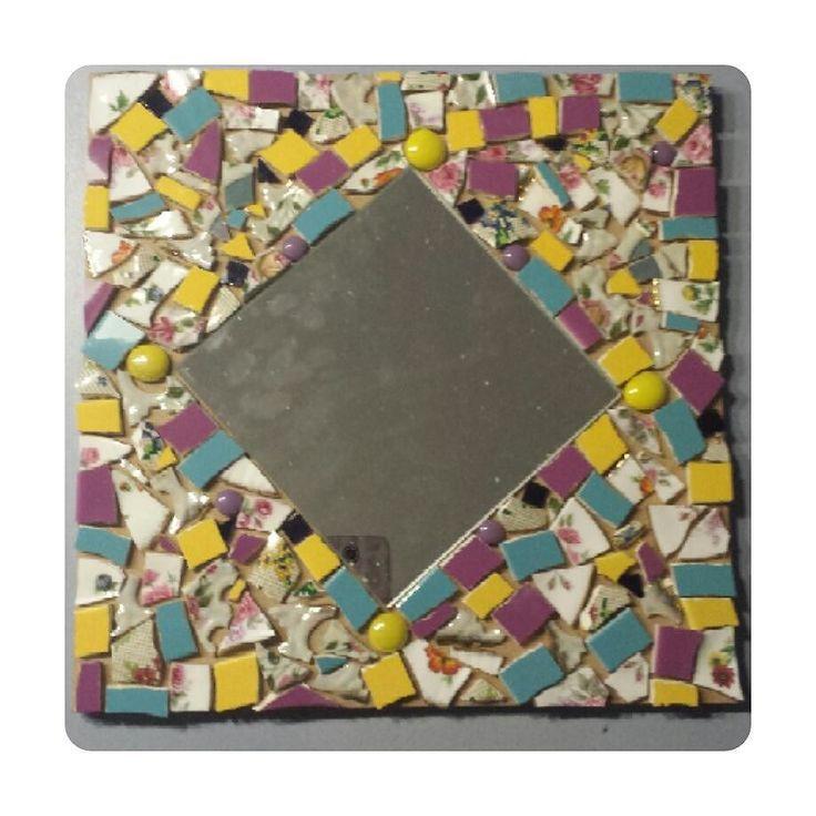Doe eens gek ga mozaïeken: en dit is her resultaat. Nog even voegen en dan n mooi plekje zoeken.  #mozaiek #knutselen #creatief #middagjevrij