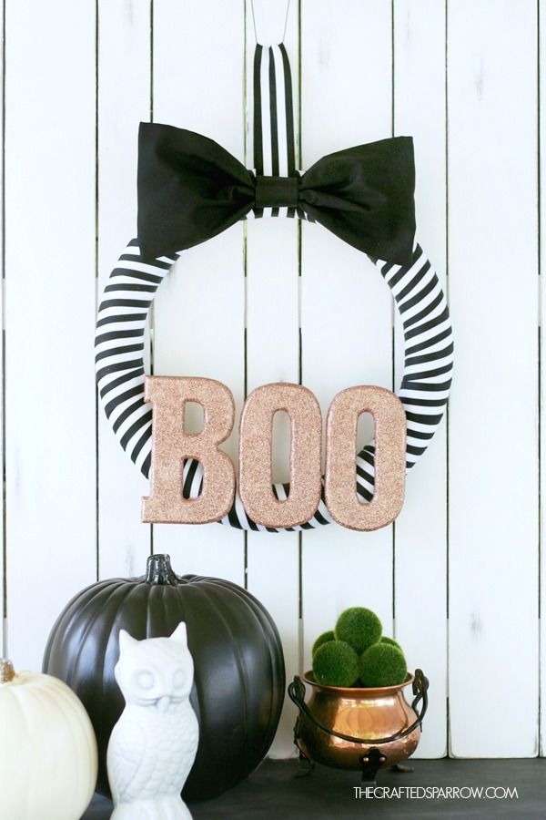 black and white striped paper flower would be cute in my black wreath - Black And White Halloween Decor