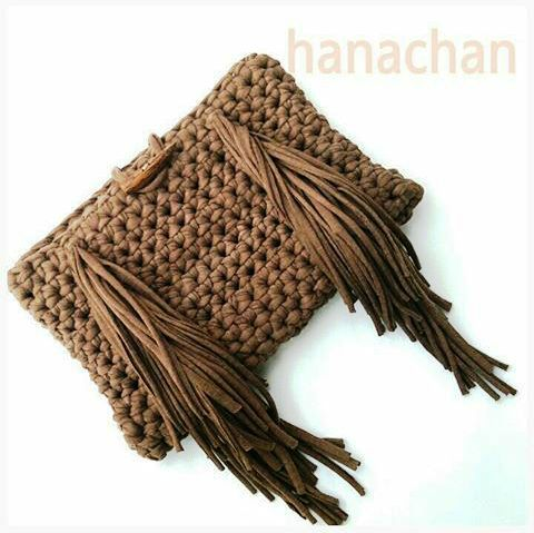 Cartera em Crochê com Franjas - / Cartera upon Crochet withal Fringes -