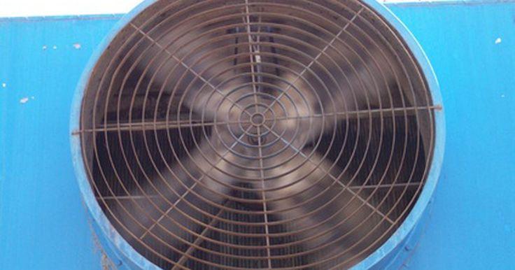 Cómo arreglar un ventilador oscilante. Cómo arreglar un ventilador oscilante. Los ventiladores oscilantes vienen ahora con un control remoto incluido haciéndolos incluso más convenientes. Tienen esos momentos en los cuales no se mueven tan rápido como deberían o comienzan a hacer ruidos extraños mientras oscilan. Aquí hay un par de sugerencias sobre cómo arreglar un ventilador ...