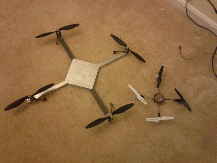 Quadcopter VivoQuad 1.0 and a Syma mini Quad