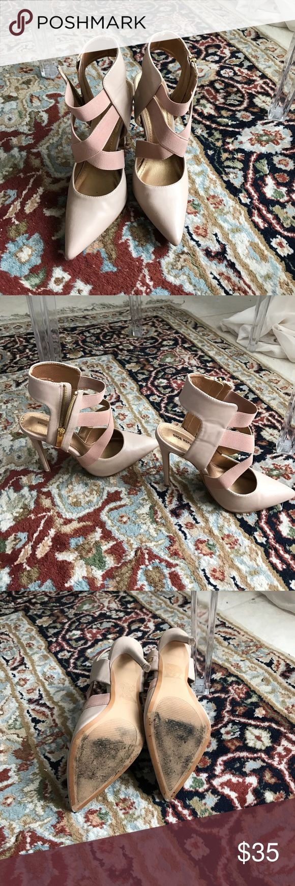Sexy ankle heels Blush color with gold detailing Sexy heels are head turning shoes. Super comfortable wear with jeans 👖 a skirt, or dress 👗 Shoes Heels