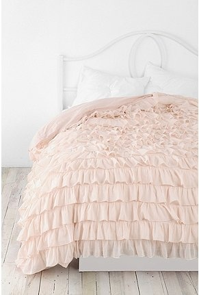 Dorm room dreaming. Follow @kpeditto for more DIY dorm room inspiration.