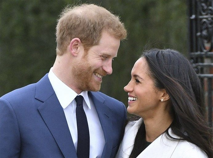 Prins Harry en Meghan Markle poseren voor het eerst als kopp... - Het Nieuwsblad: http://www.nieuwsblad.be/cnt/dmf20171127_03210155