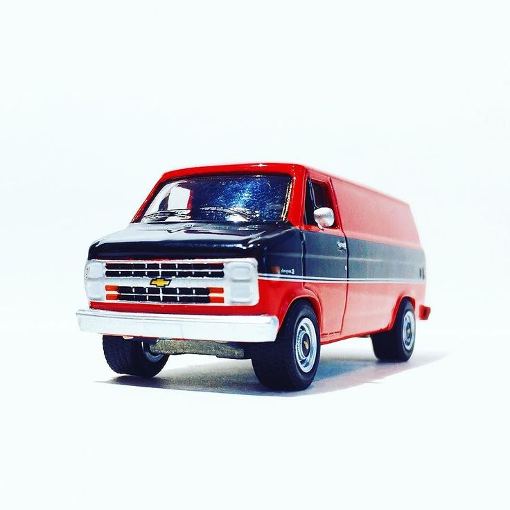 Sweet van for #chevymondays #vanlife #chevy #chevrolet #greenlight #toypics #toycrew #diecast #diecastcollector