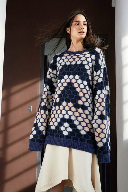 Chloé resort '15: oversized honeycomb knit with asymmetrical skirt
