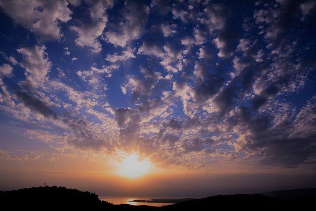 M  o   m   e   n   t   s   b   o   o   k   .   c   o   m: Τα σύννεφα ... άγγελοι που έμπλεξαν τα φτερά τους ...