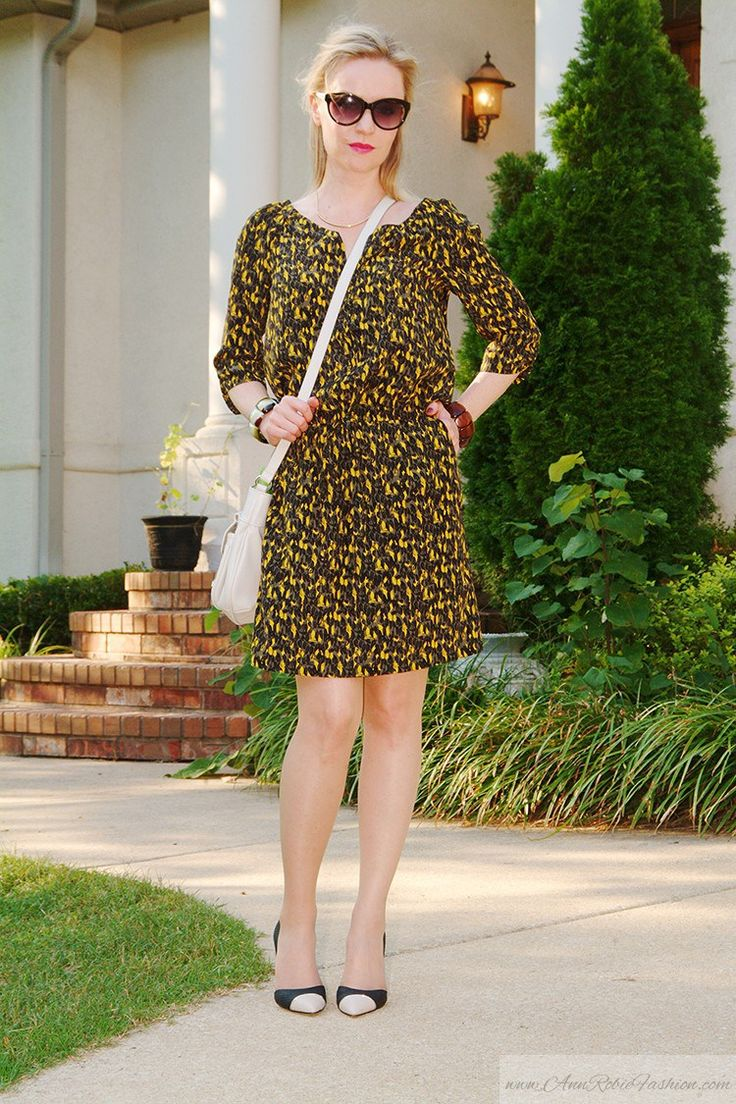 Khaki-Mango-Dress-Calvin-Klein-Heels #tan #pantyhose #legs #blogger #heels