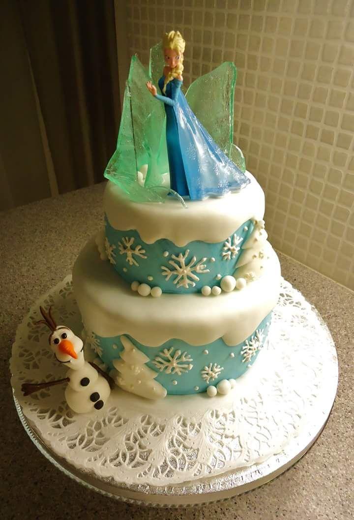 Frozen kakku erään pikku prinsessan syntymäpäiville. Frozen cake for a little princess' birthday party.