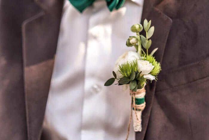 Ansteckblumen Bildergalerie Mit Tollen Ideen Und Beispielen Ansteckblume Hochzeitsanstecker Blumen