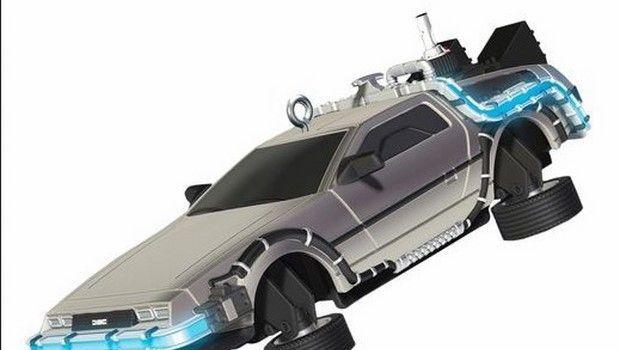 Godzilla, Lo squalo, Ritorno al futuro, Alien: i nuovi gadget  Hallmark