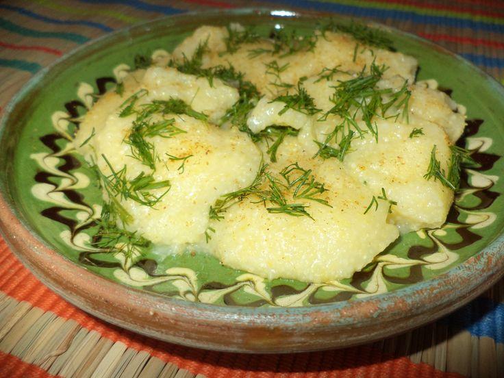 Mamaliga Cu Marar / Polenta With Dill https://vegansavor.wordpress.com/2015/06/22/polenta-with-dill-and-spice-mix/ #vegan #mamaliga #marar #polenta #dill