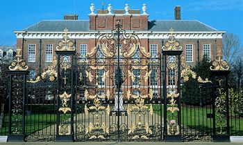 London in One Day: Royal Palaces, Towers & Castles City Highlights Tour. For booking information please go to: www.letzgocitytours.com/package/london-in-one-day-royal-palaces-towers-castles-city-highlights-tour